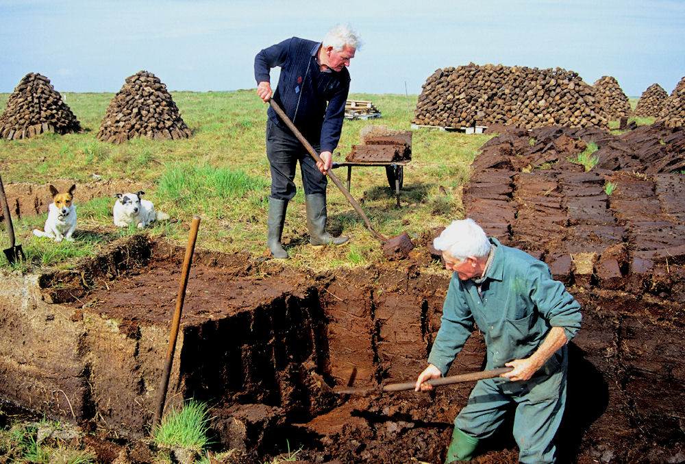 modern-peat-cutting